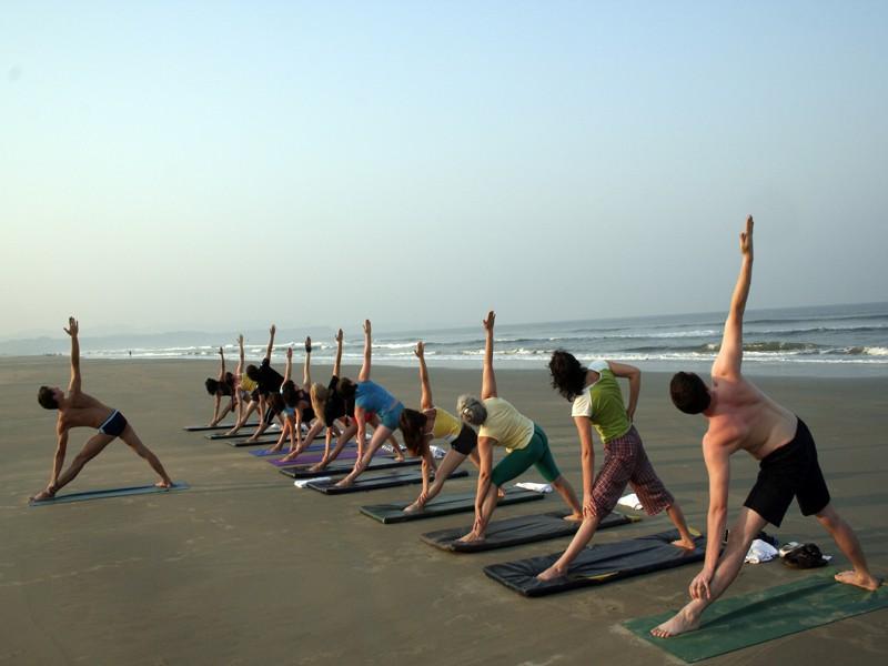 Зарядка по утрам йога